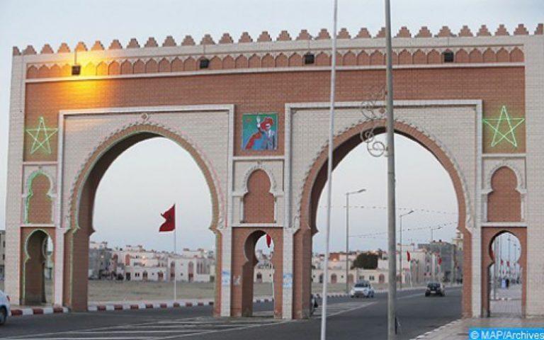 وفد يضم عدة سفراء من دول عربية في زيارة إلى مدينة الداخلة