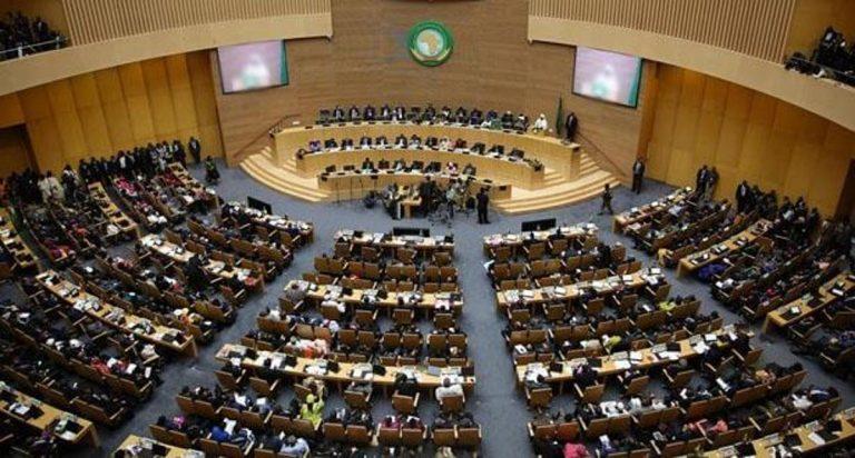 """الإتحاد الإفريقي يدعوا إلى التعليق الفعلي لعضوية """"الجمهورية الصحراوية المزعومة"""" في أقرب الآجال"""