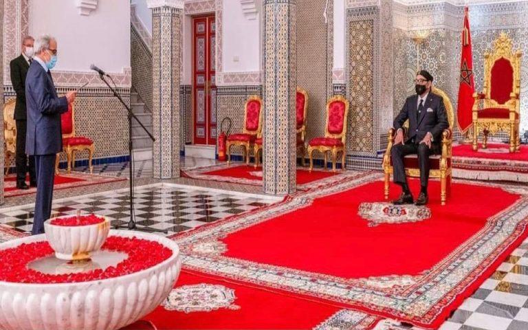 والي بنك المغرب يقدم تقريره السنوي للملك محمد السادس